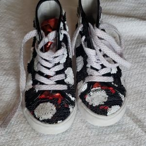 Girls size 13/1 Minnie Mouse hightop sneaker